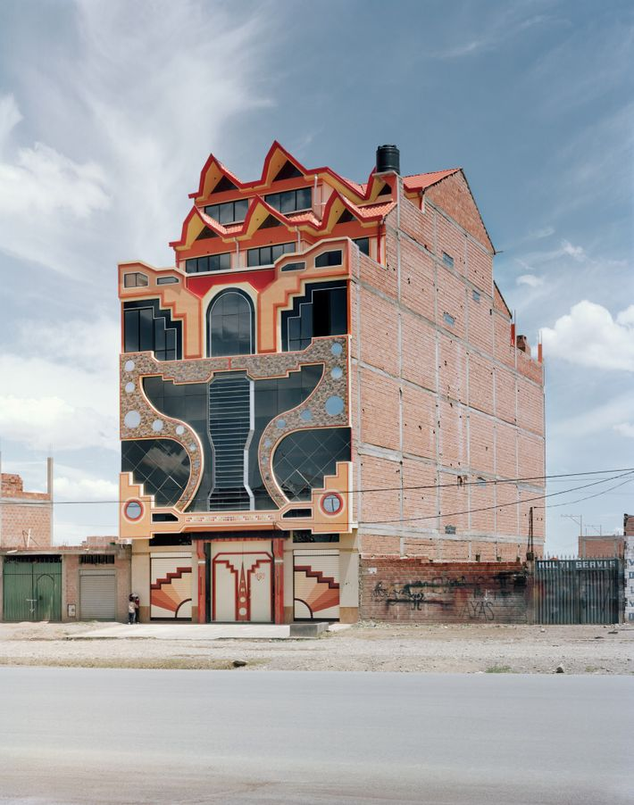 Mamani's style has influenced other architects in El Alto.