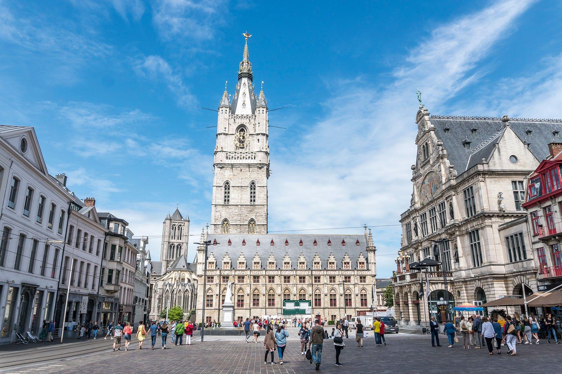 Sint Baafsplein in Ghent