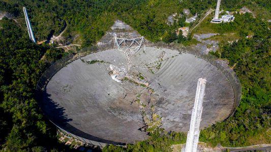 Iconic radio telescope suffers catastrophic collapse