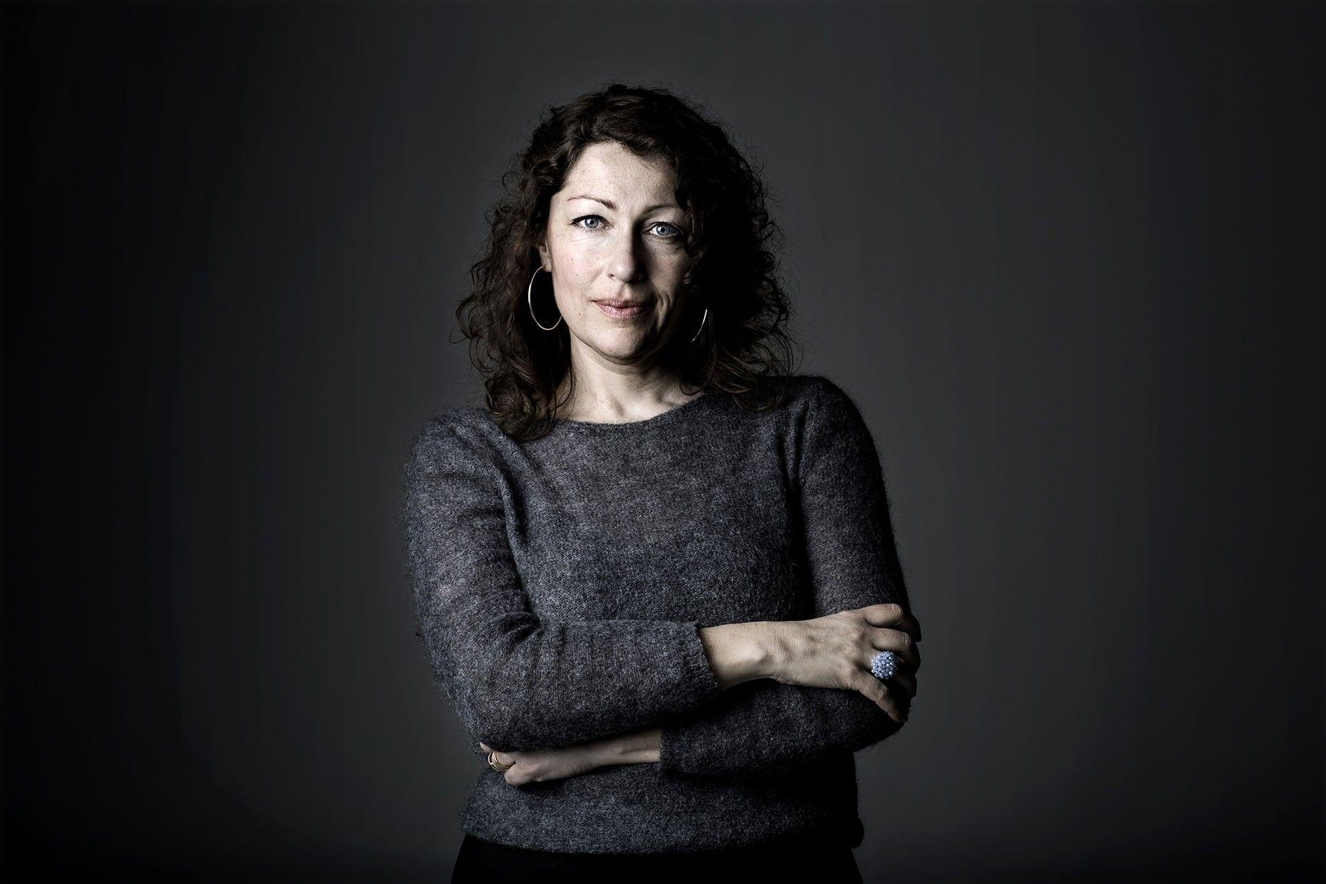 A portrait of Elisabeth Åsbrink