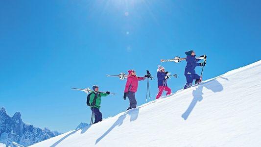 We compare: Ski schools