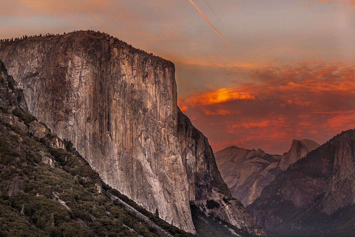 El Capitan reflects the last bit of light a few minutes after sunset during the Autumn ...