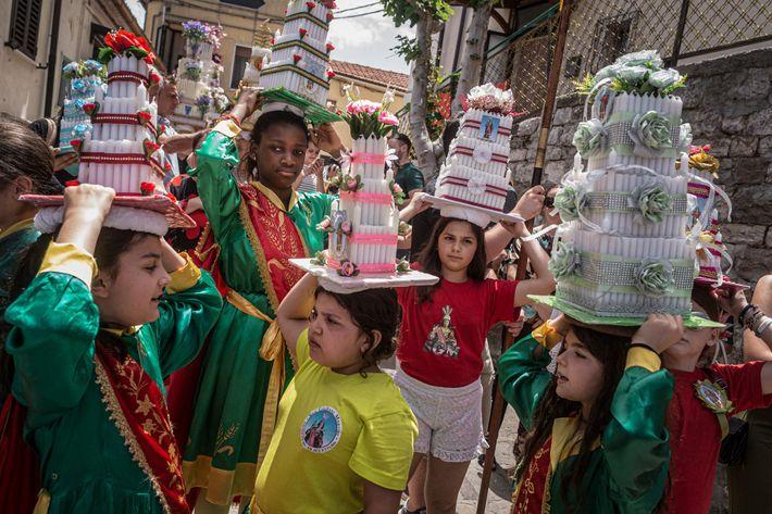 The children of Accettura prepare to open the procession of San Giuliano.