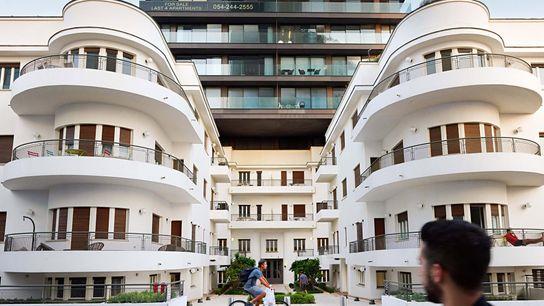 Built in 1935, the Reisfeld House in Tel Aviv, Israel, was designed according to Bauhaus principles.