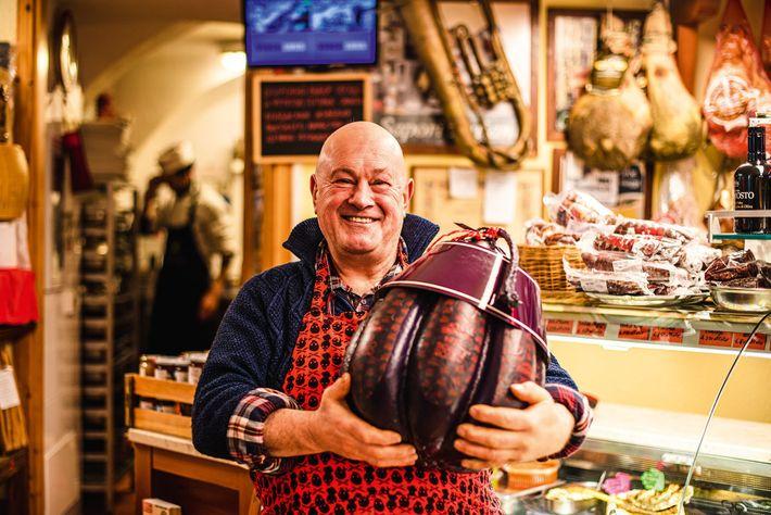 Provolone piccante Sigillo Rosso (Red Seal) cheese