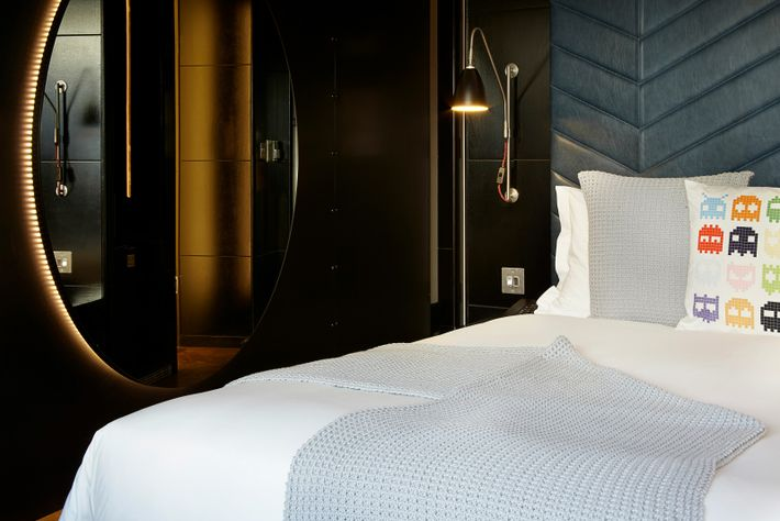 The original member of The Hoxton's growing family of hotels is a magnet for a hip young ...