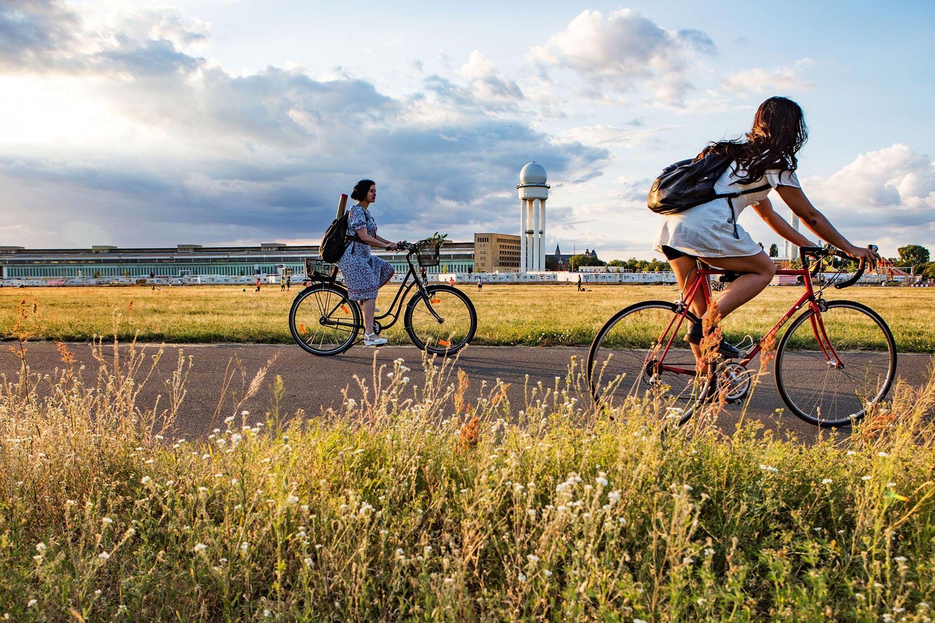Cycling through Tempelhofer Feld