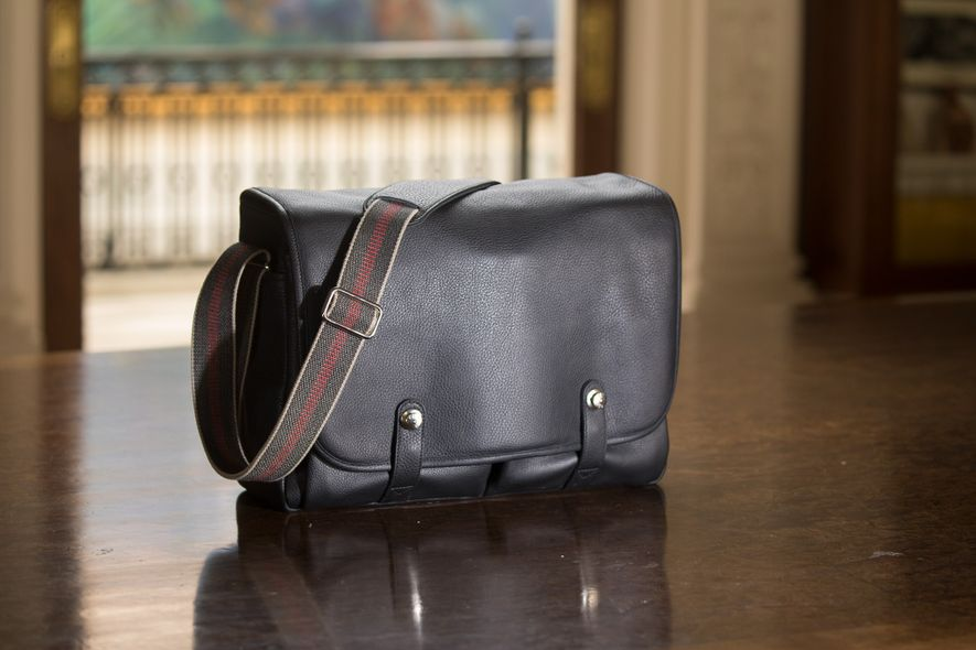 The Oberwerth Richard is one of the most luxurious camera bags out there, with beautiful hardware …