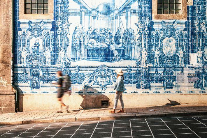 Azulejo tiles at the Capela das Almas, Porto.