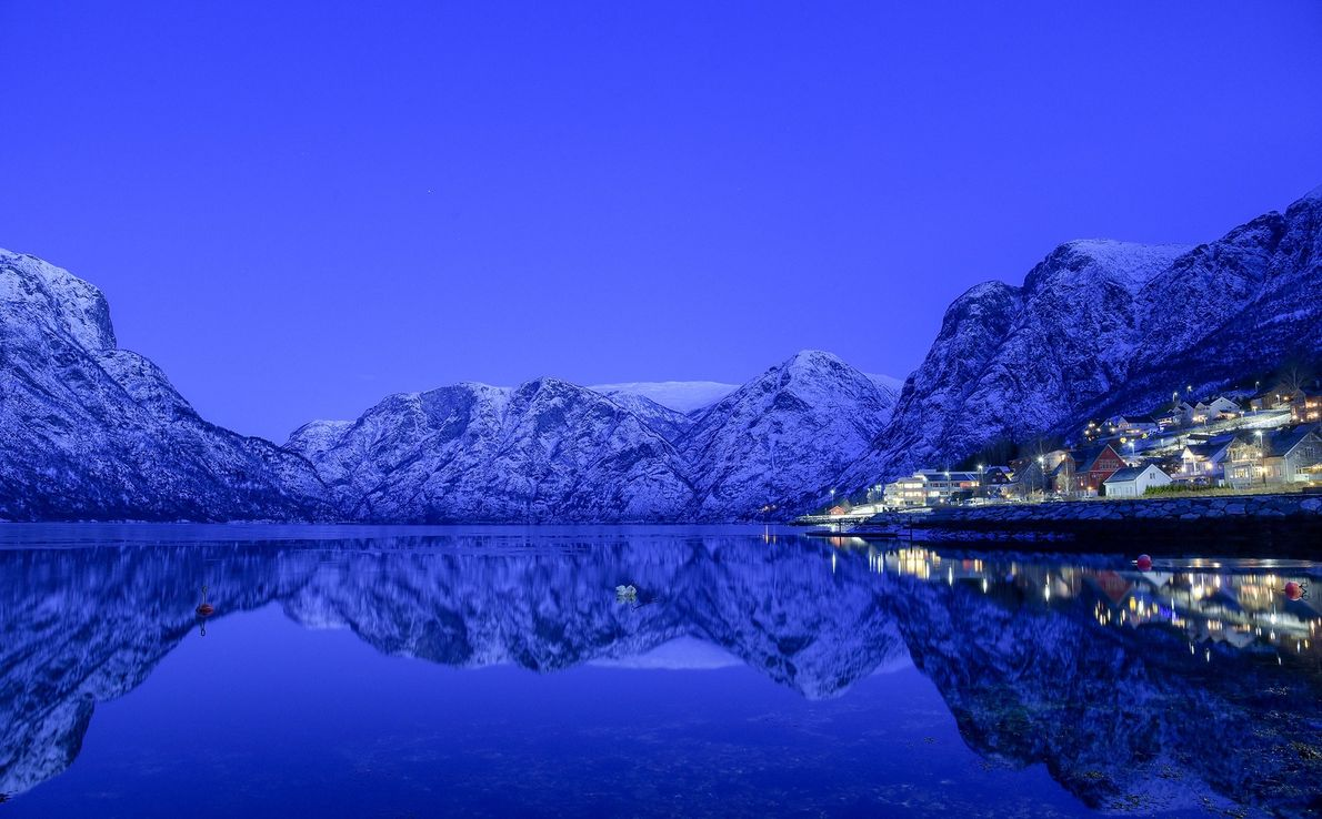 We woke early in the morning to the fjord to take photos of the dawn lights ...