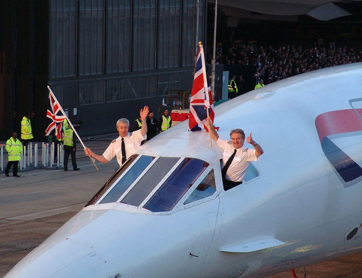Concorde's final flight arrives in London, 2003, captained by Mike Bannister (right).