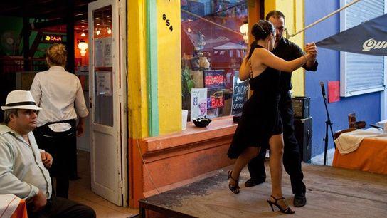 Tango dancers, La Boca.