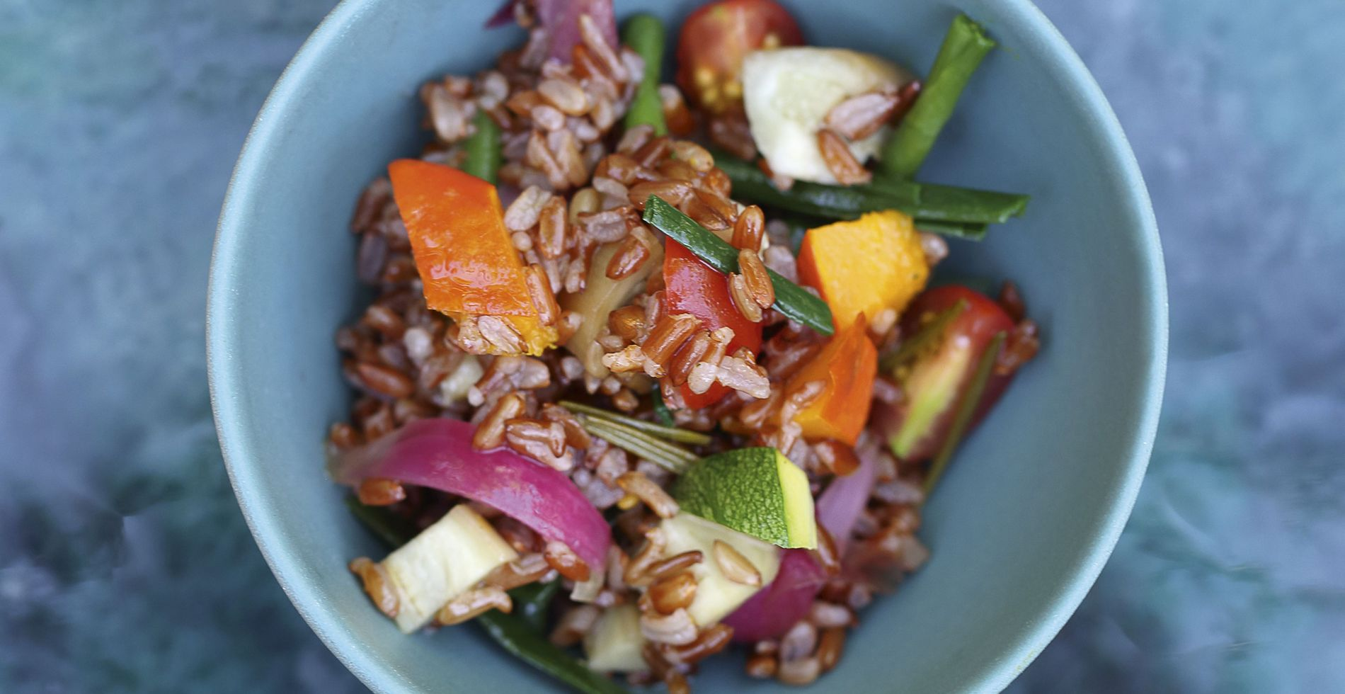 Thai-style red rice with vegetables