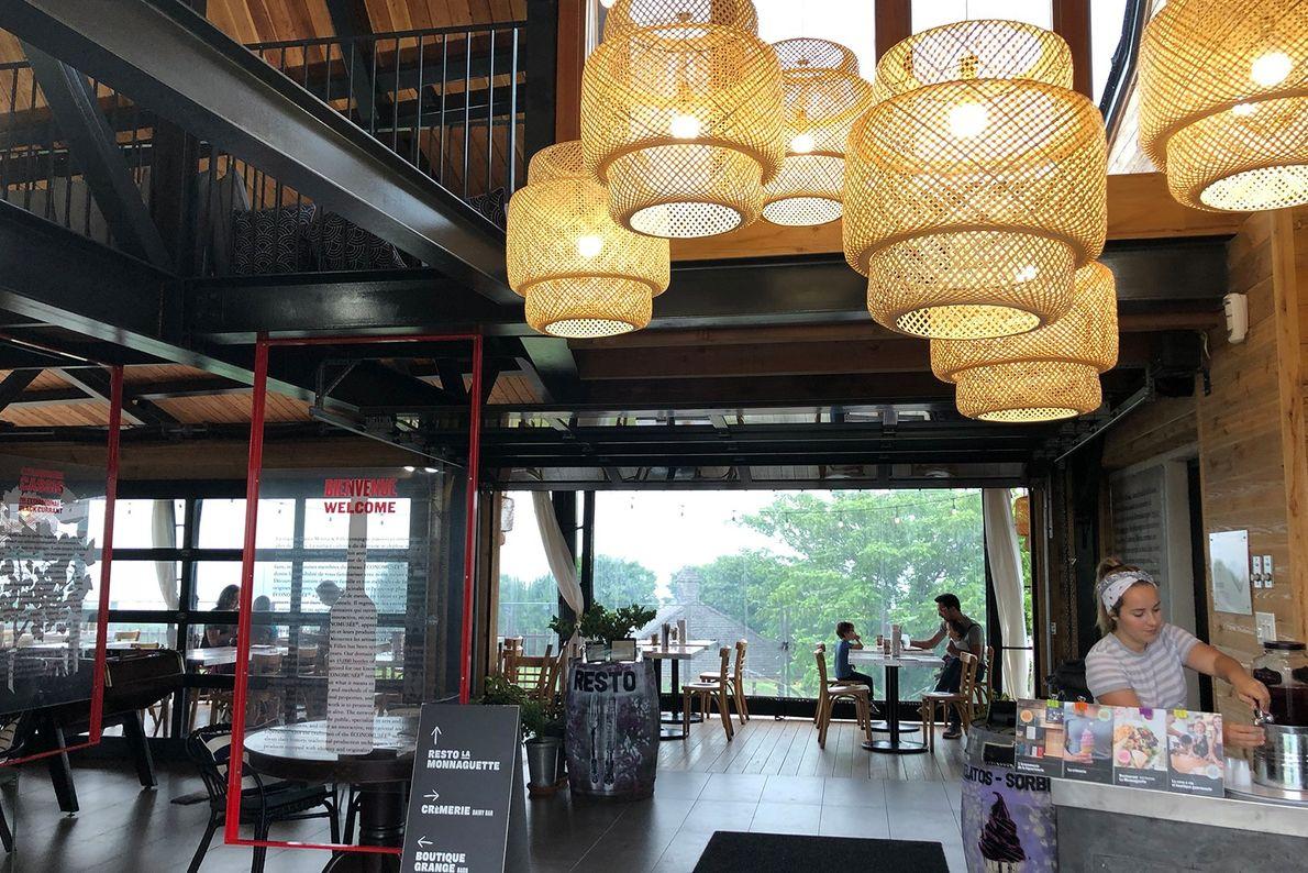 Cassis Monna & Filles has a restaurant, wine bar, and gourmet boutique.
