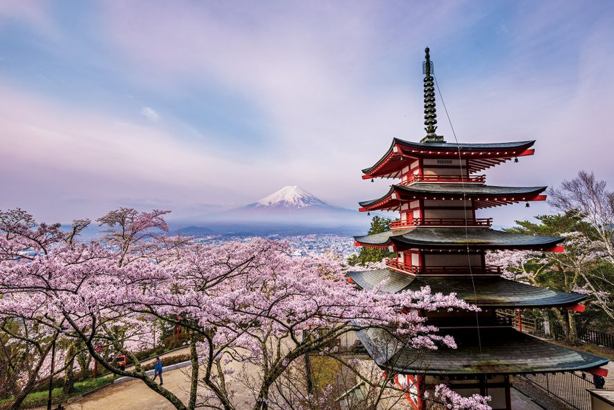 It is a five-storied pagoda of Arakurayama Sengen Park in Fujiyoshida City, Yamanashi Prefecture.This place has …