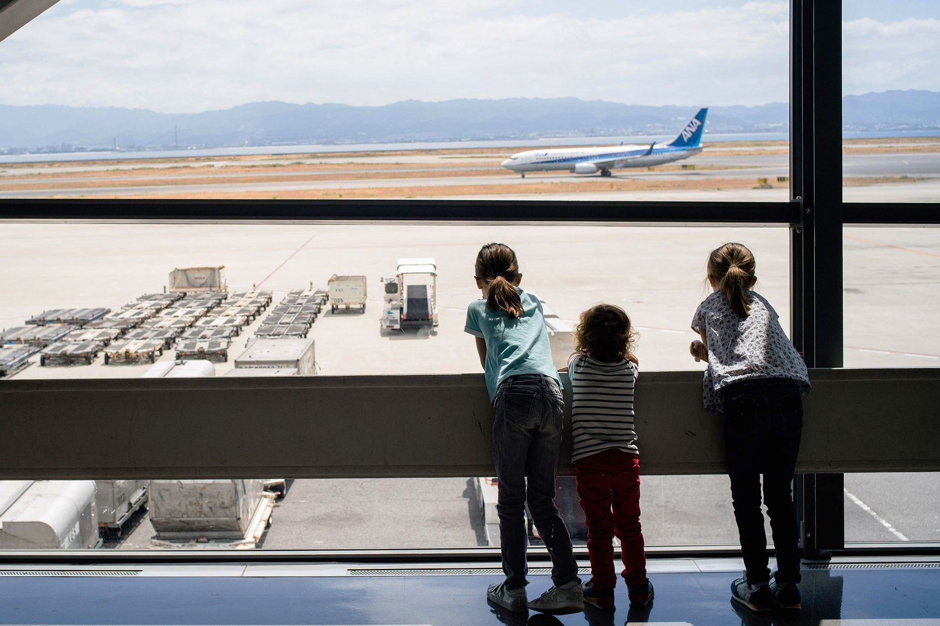 Little travellers prepare for takeoff.