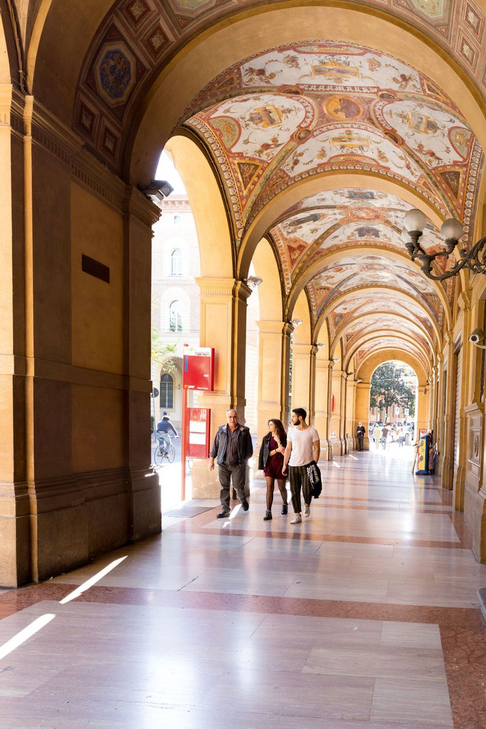 Strolling in the shade of the city's many porticoes provide opportunities for discovering hidden gems such ...