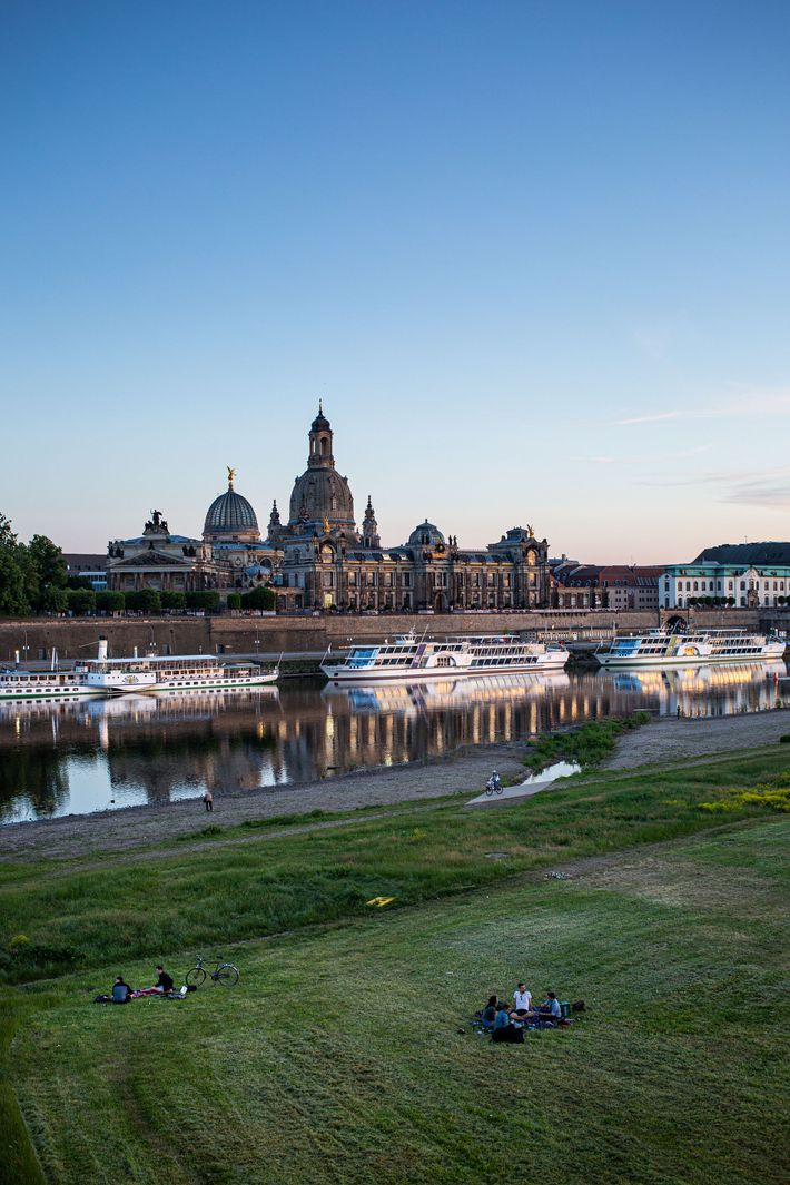 The view across the Elbe to the Dresden Academy of Fine Arts and the Frauenkirche is ...