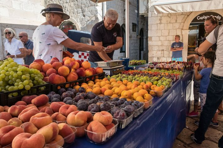 Fruit seller, Gunduliceva Poljana Market.