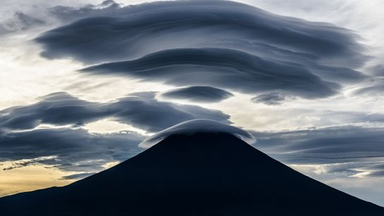 As air currents change at higher altitudes around Mount Fuji, clouds take on interesting shapes. Nakazawa ...