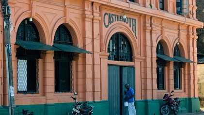 Colombo: Dive bars