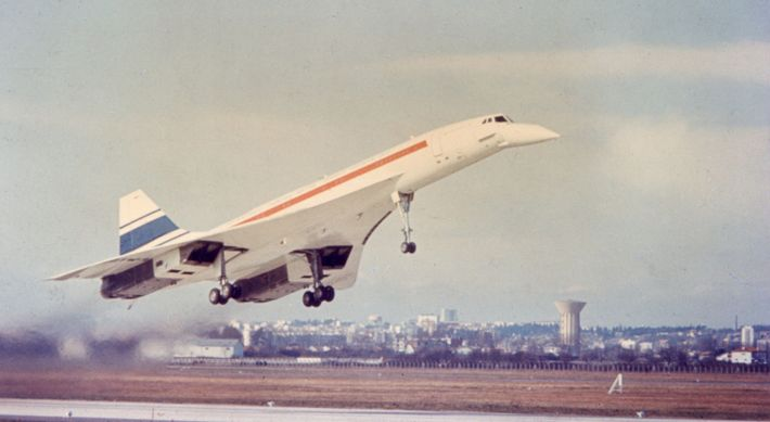Concorde prototype 001 on its first test flight: Toulouse, March 2, 1969.
