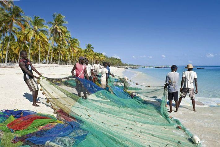 Muani fishermen, Pangane, Mozambique