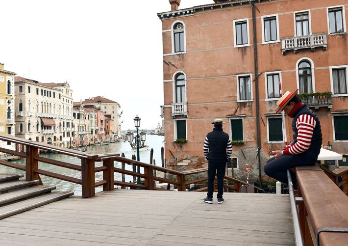 Gondoliers, like other workers in Venice, saw a drop in business after the government shut down ...