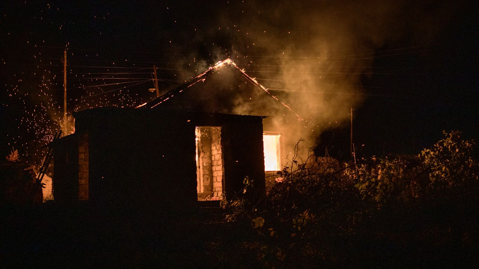 Some Armenian residents set fire to their homes to prevent Azerbaijanis from living in them.