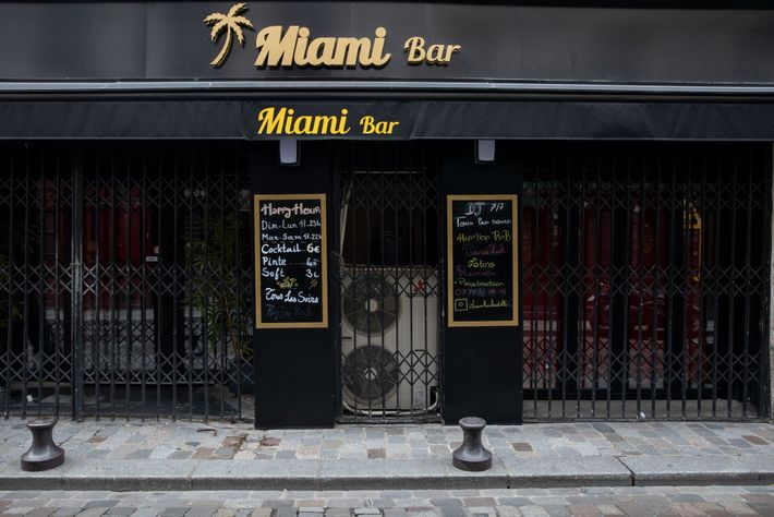 Two days after the city's bars, cafés, and other non-essential businesses were closed, photographer William Daniels ...