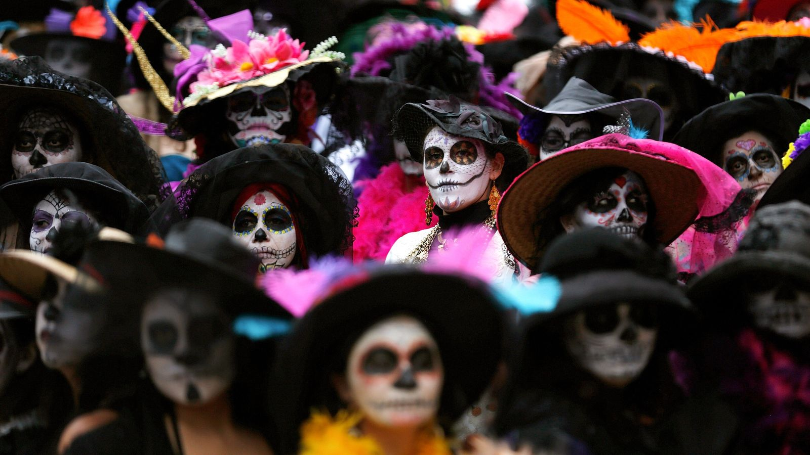Over 500 woman gathered in Mexico City on November 1, 2014, to set a Guiness World ...