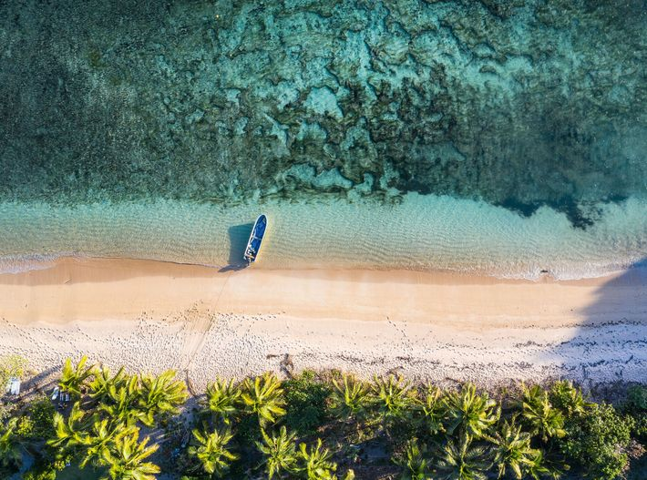 Postcard-perfect Fiji, is a paradise for those after white sand, clear waters and swaying palms.