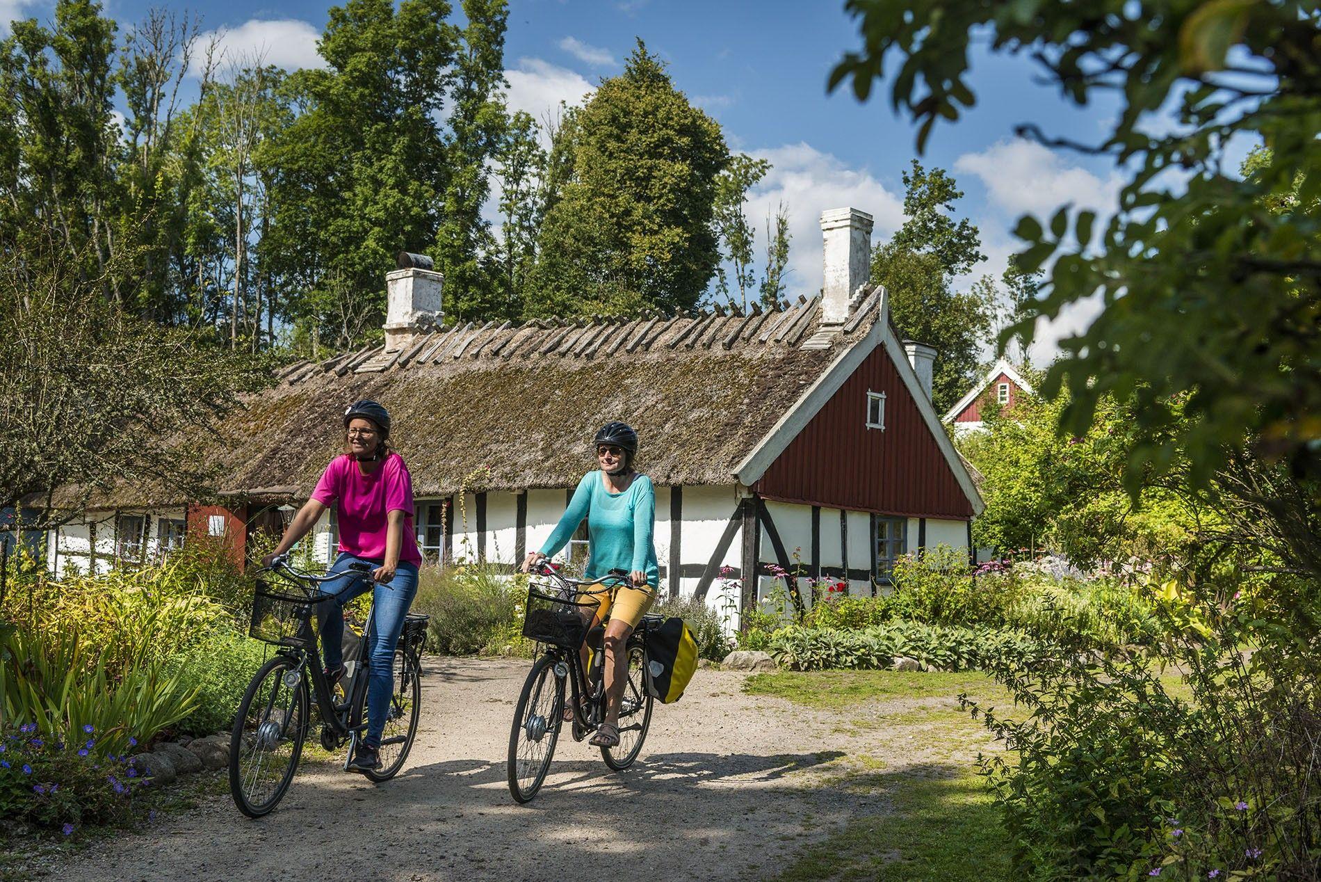 Cycling along the Syndostleden in Skane