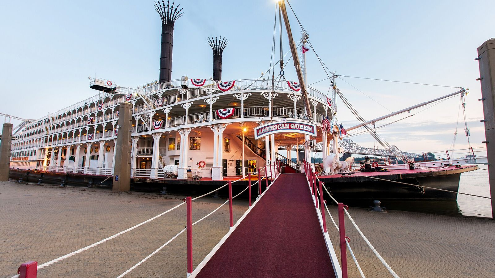 American Queen, the world's largest riverboat, built in 1995.