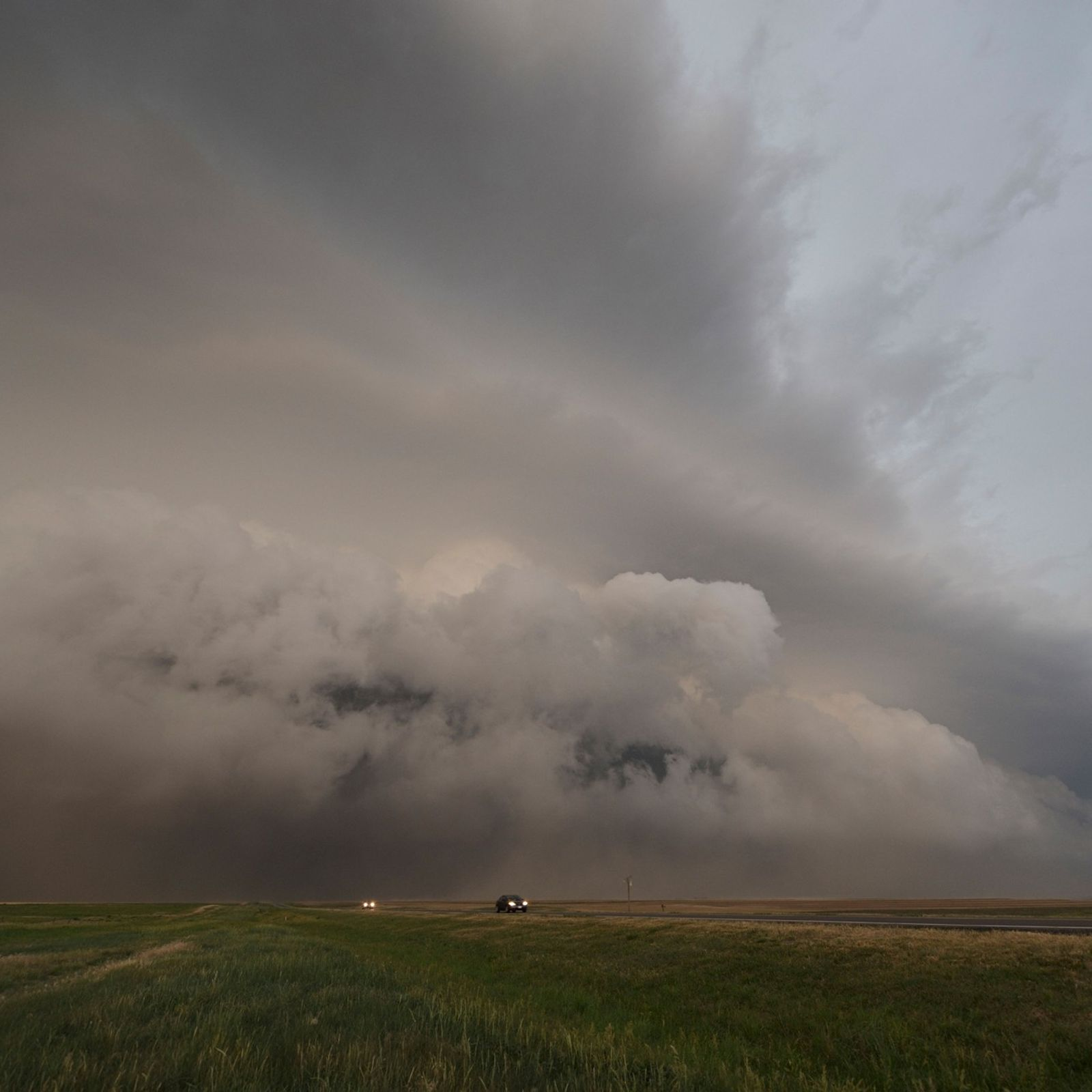 Cars fleeing a derecho on May 30, 2012. Primarily seen in the central and eastern United ...