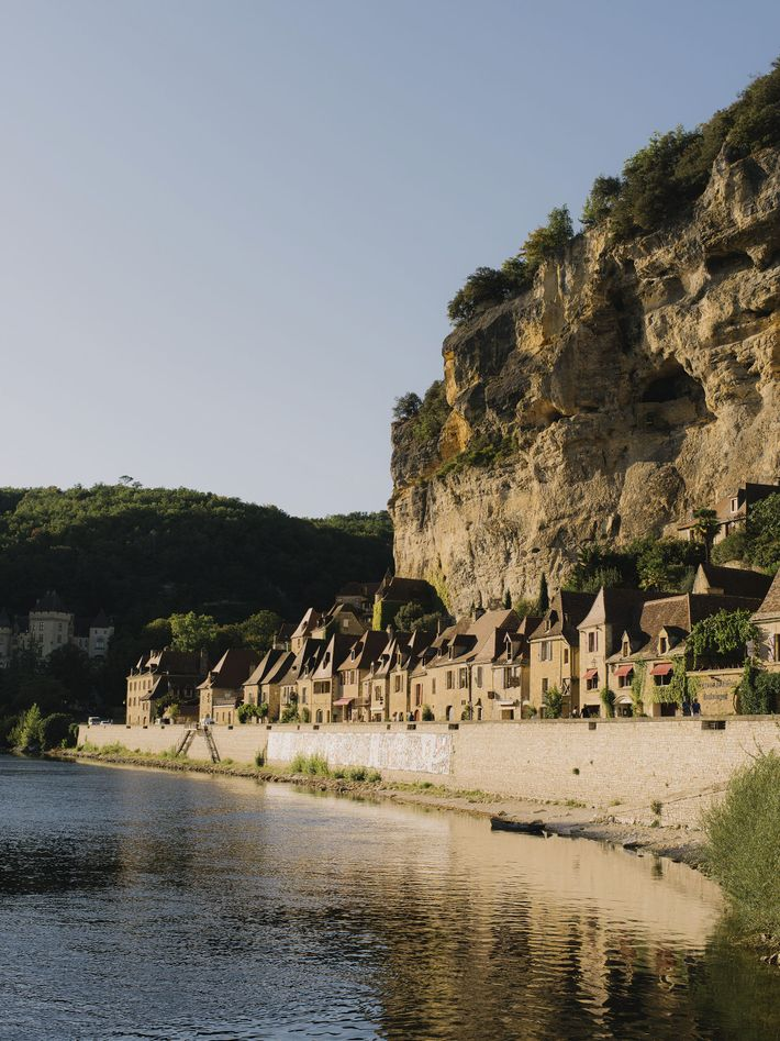 La Roque-Gageac, on the banks of the Dordogne