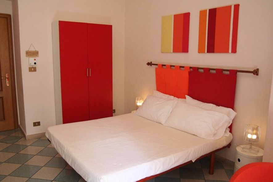 Double room at The Beehive, Rome.