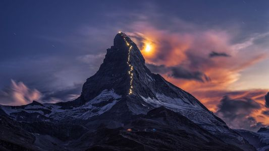Peaks and Summits: 31 Photos of Majestic Mountain Adventures