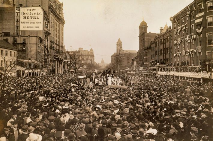 People at this 1913 Washington, D.C., parade were demanding voting rights for U.S. women.