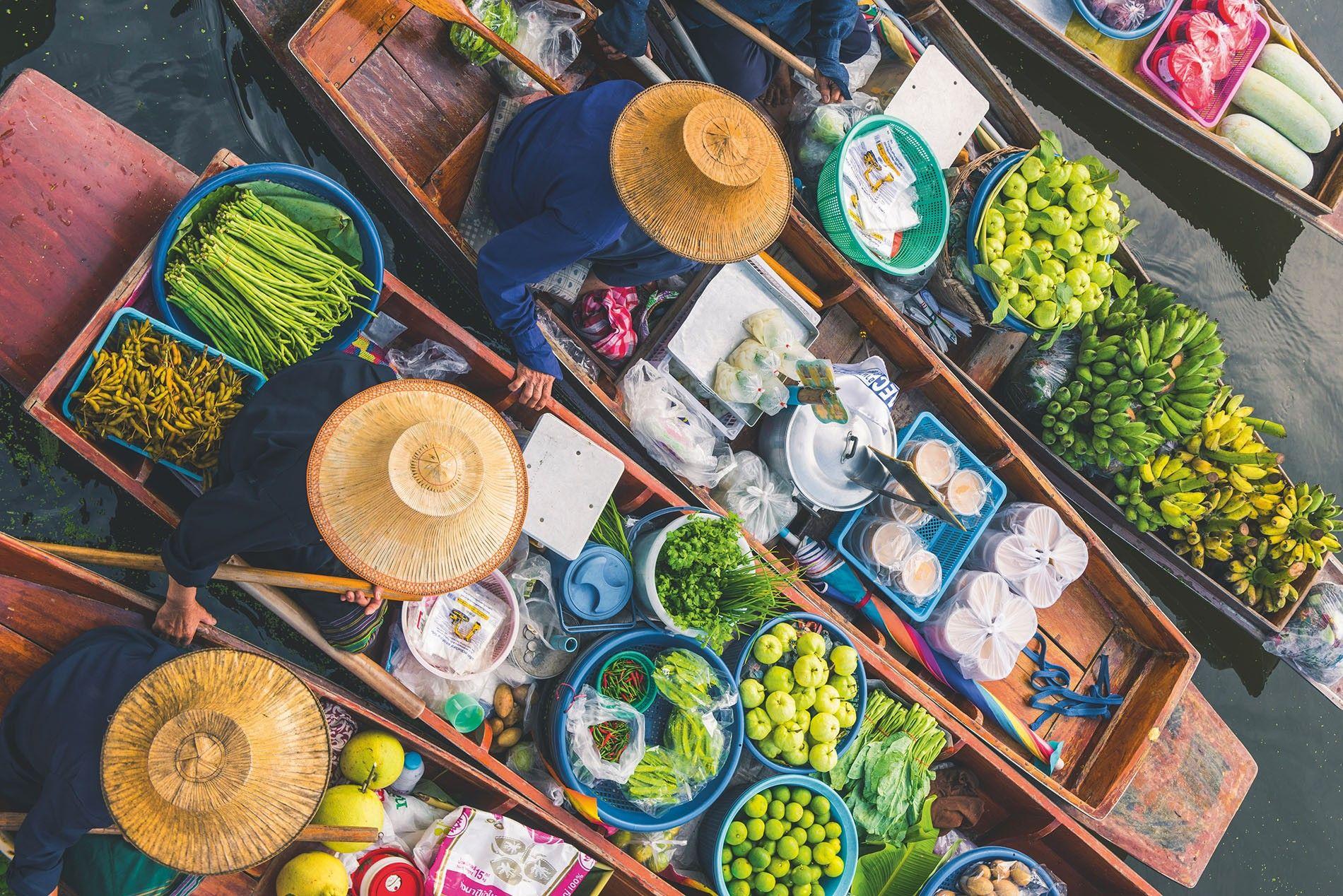 Tha Kha floating market in Bangkok