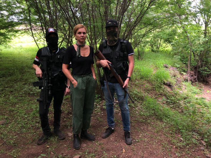 Brandishing U.S.-made weapons, in Mexico Van Zeller poses with two sicarios for the Sinaloa drug cartel for the 'Guns' ...