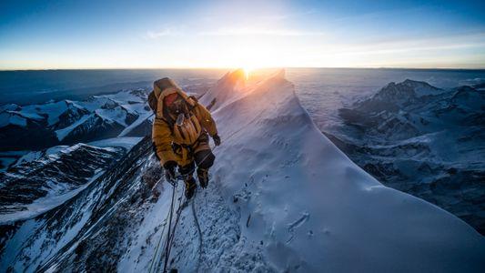 COVID-19 shuts down Everest