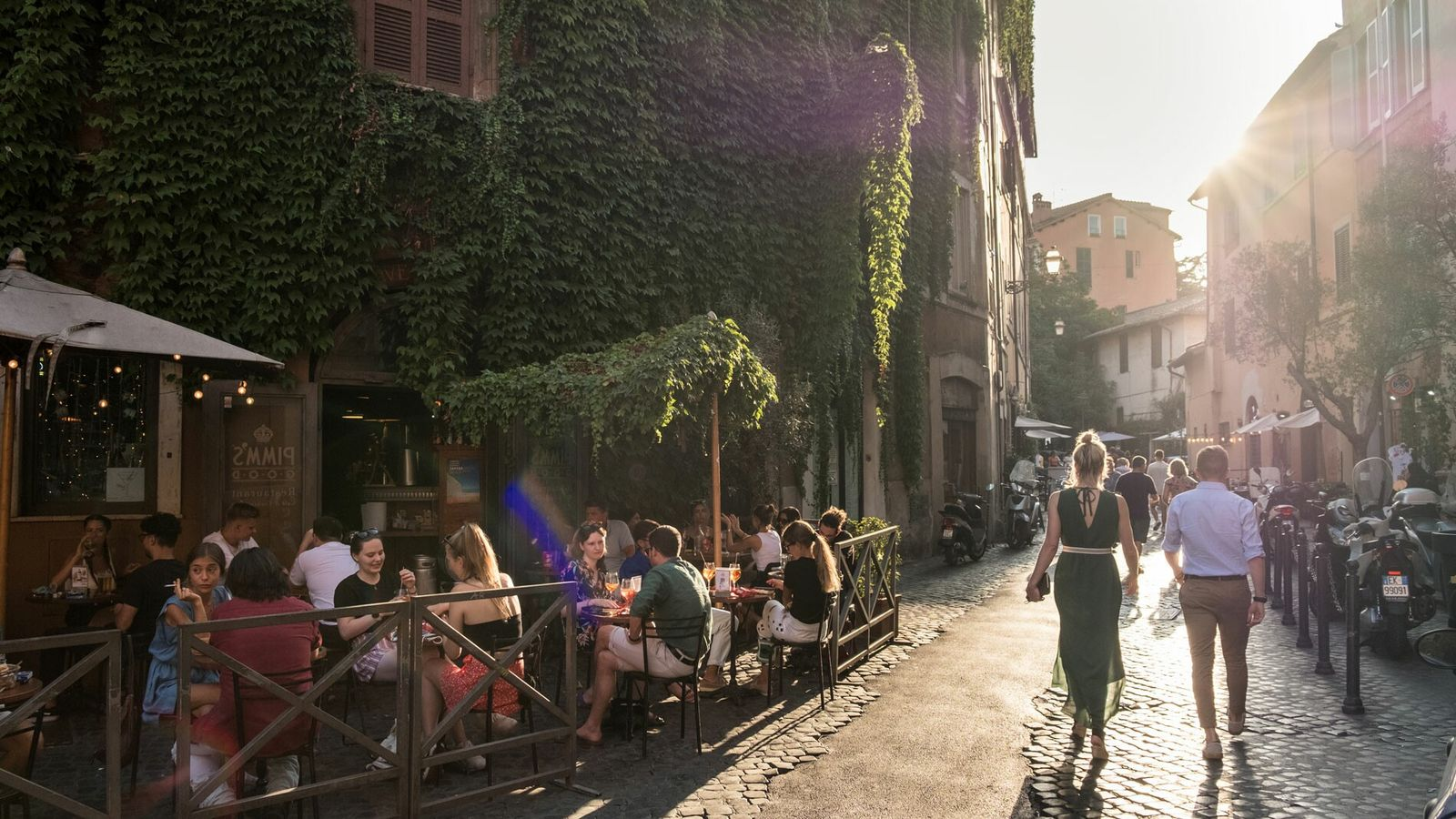 There's a strong hum of la dolce vita in Trastevere. Alleyways zigzag their way through the ...