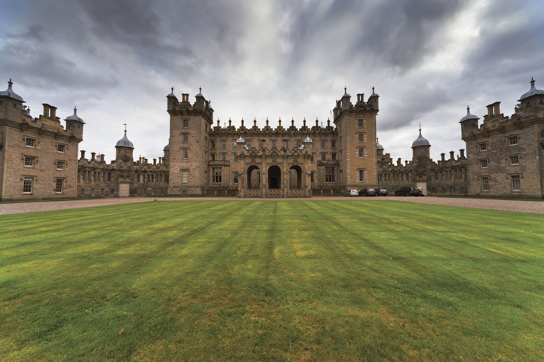 Sleep like royalty in Scottish castles
