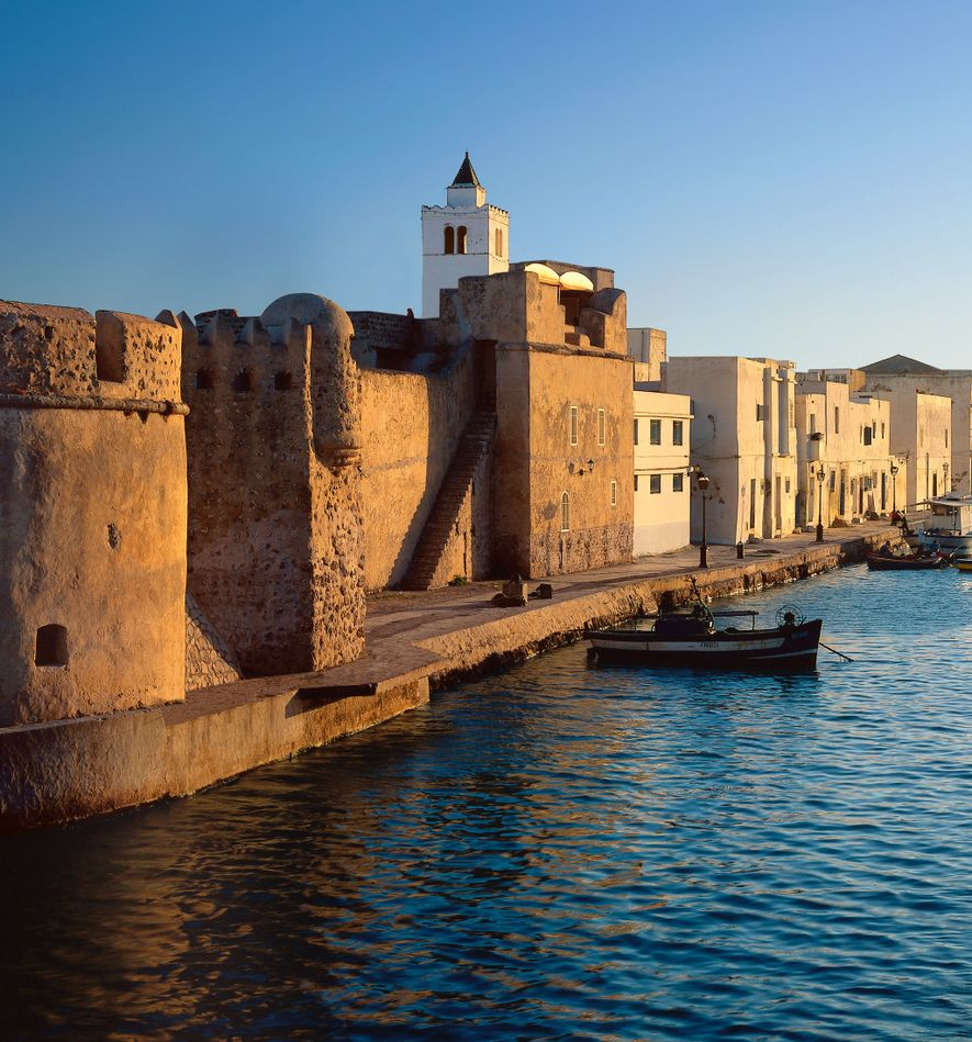 The fort of Bizerte, in Tunisia, fell to Barbarossa in 1534 but surrendered to the Spanish ...