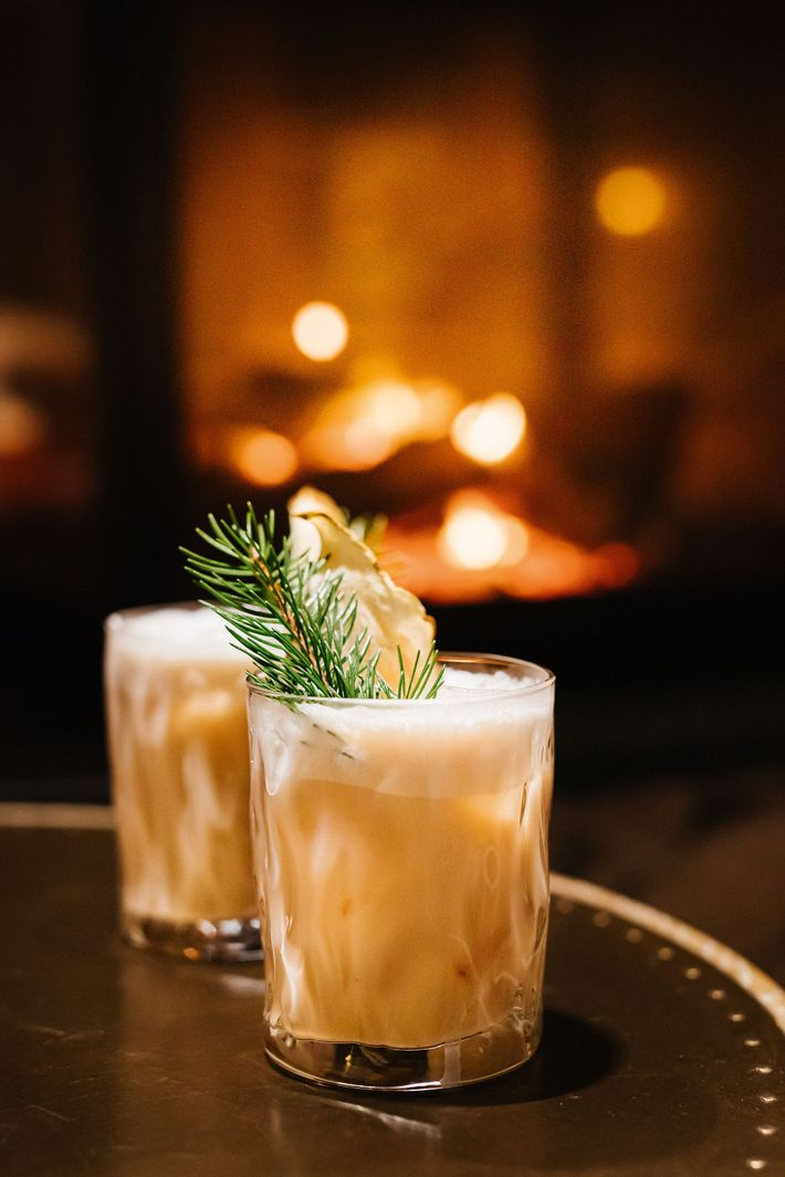 Apres-ski cocktails at Le V de Vaujany hotel is one of the best ways to unwind ...