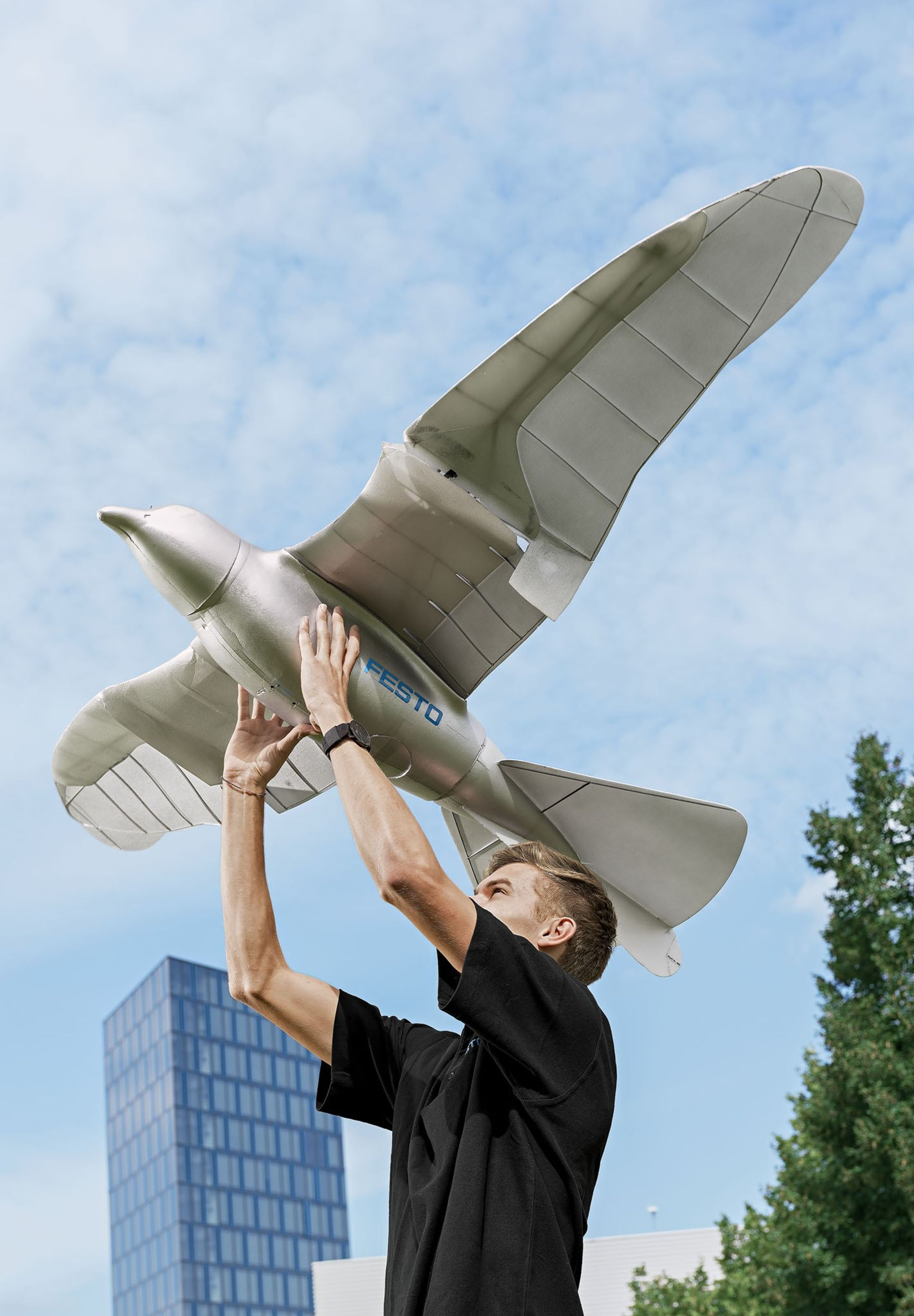 The SmartBird, an ornithopter created by the company Festo, flies so well because it twists its wings as it flaps them, just like real birds do.