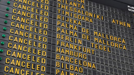 A short guide to cancelled trips: refunds, rebooking and your rights