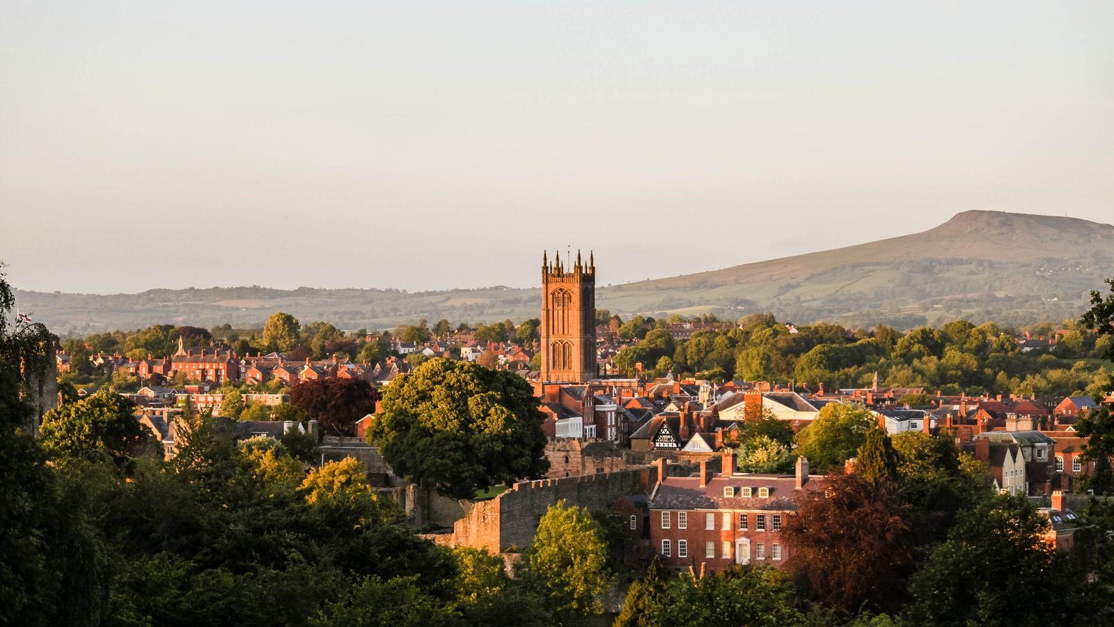 Ludlow's rural setting close to bountiful Herefordshire, Worcestershire and the Welsh Marches ensures a year-round supply ...