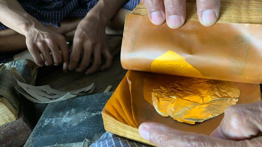 How much work goes into flattening gold leaf? 20,000 hammer blows.